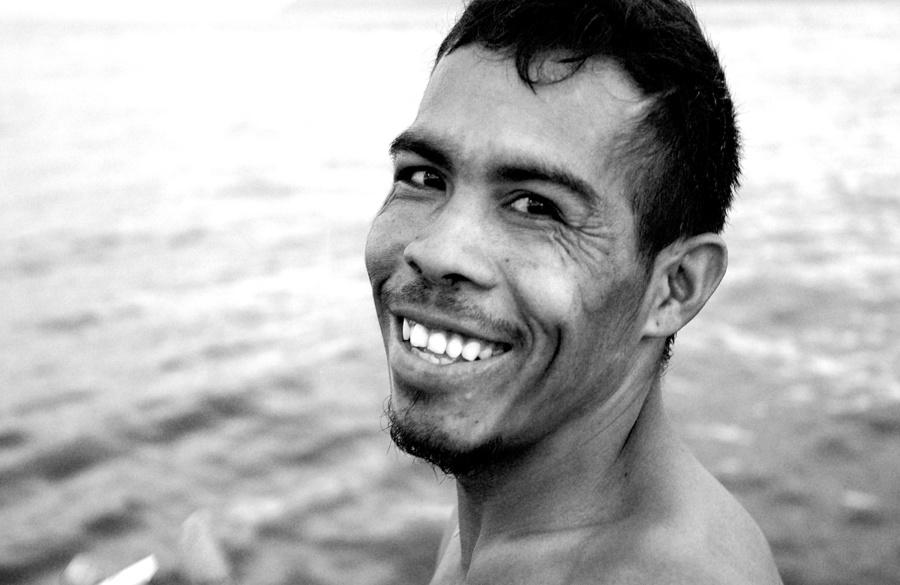 photo portrait indonésien noir et blanc